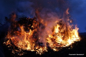 2010-04-03 Osterfeuer